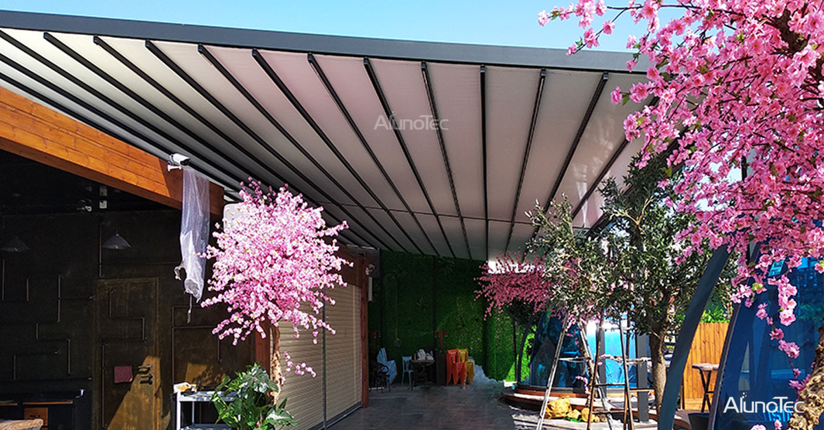 Aluminum Retractable Awning